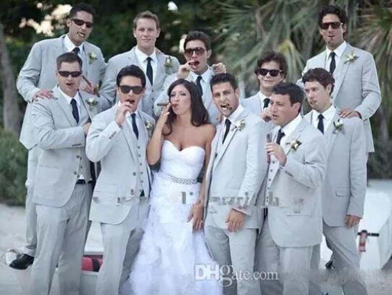 Costumes d'été pour hommes Costumes de plage en lin gris Encolure en revers de mariage tuxedos costumes slim fit (Veste + Pantalon + Gilet + Cravate) Free Shiping