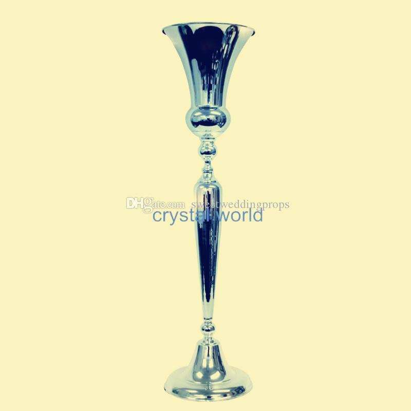 senza fiori tra cui) Alto matrimonio argento ferro di ferro alto e grande candelabro / metallo portacandele in vendita