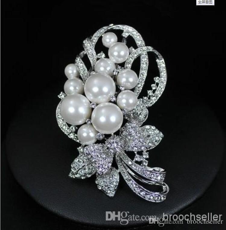 """Broche para fiesta de cristal con perla blanca y diamantes de imitación enchapado en rodio de 2.7 """""""