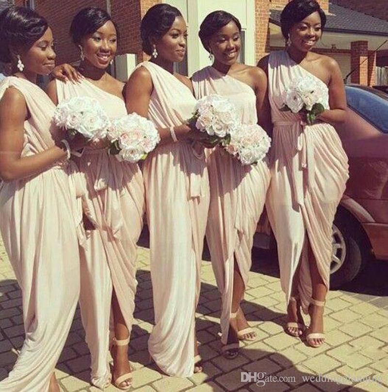 Vestidos de dama de honor griegos afroamericanos 2017 único de un hombro melocotón rosa sirena vestidos formales largos para mujeres con faja