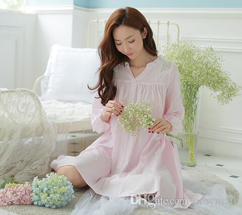 2016 осень новый легкий дышащий дворец пижамы v-образным вырезом хлопок выдалбливают бытовые ночная рубашка вышитые с длинными рукавами принцесса
