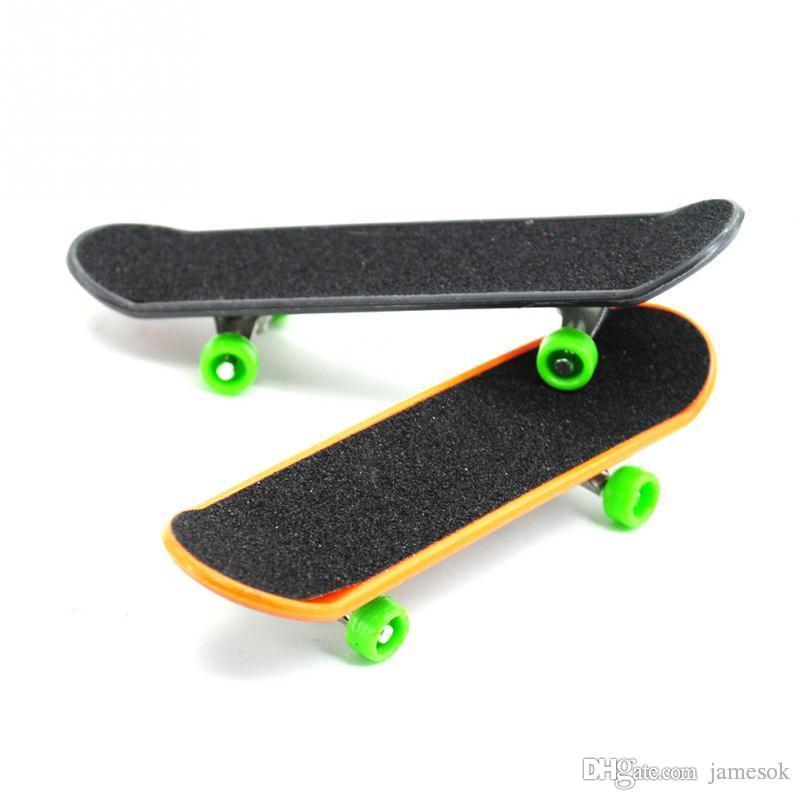 дети игрушки анимация соседняя модель палец доска грузовик мини сплав ABS скейтборд играть игрушки палец скейтборды c034