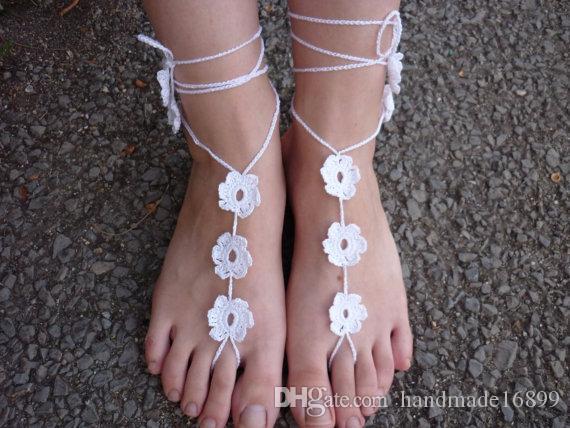 Weiß häkeln barfuss Sandalen, Nude Schuhe, Hochzeit, Sexy weiße Schuhe, Fußkettchen, Hochzeitsschuhe, Strandhochzeit, Sommerschuhe