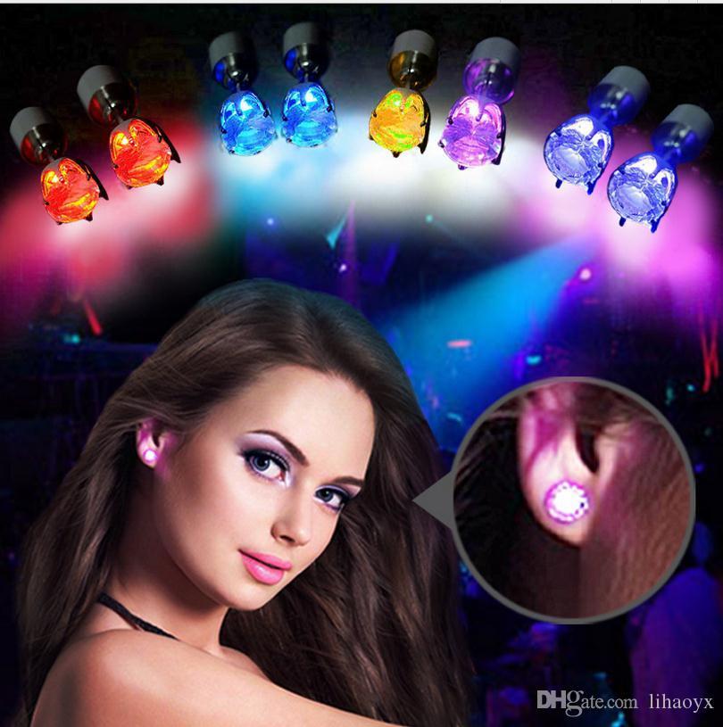 جديد الموضة تحديث النسخة متعدد الألوان أدى ضوء الزركون النساء أقراط سبيكة مجوهرات كذبة A814