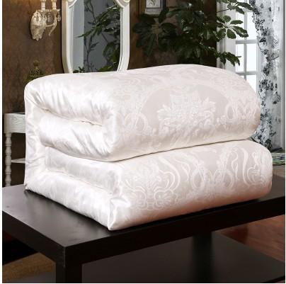 1 white comforter