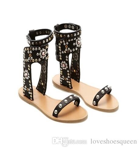 2017 Recortes Mujeres Sandalias Zapatos de Verano Mujer Sexy Tacones de Cuero Sandalias de Gladiador Mujeres Bombas Remaches Sandalias Mujer