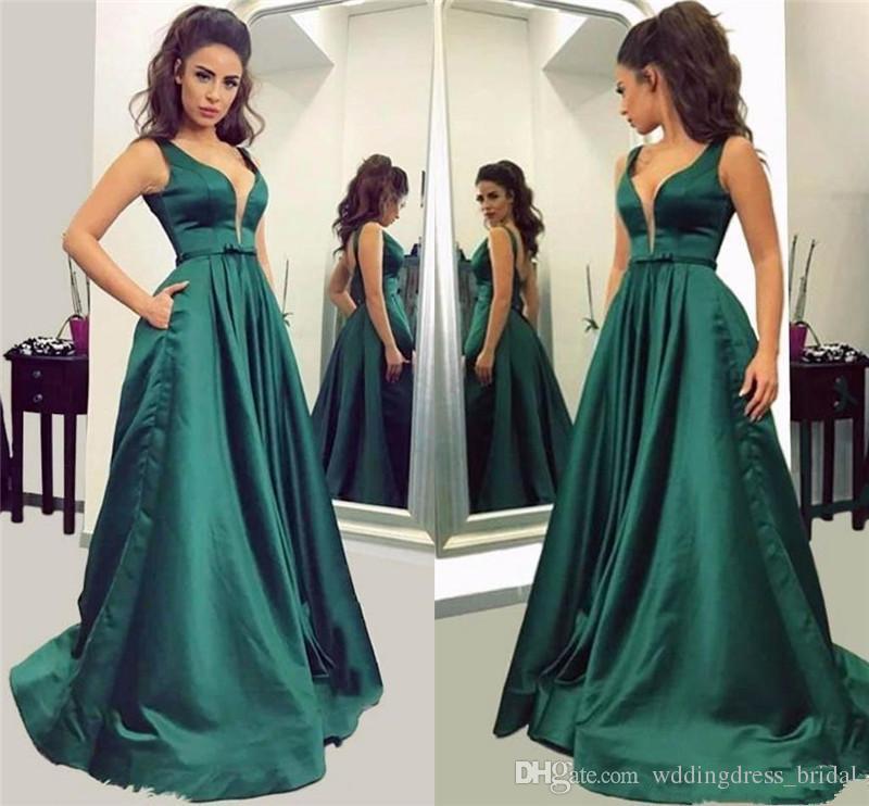 Compre Vestidos Elegantes De Noche Formales De Verde Oscuro De Una Línea De Vestidos De Noche 2019 Profundo Atractivo Del Cuello En V Vestido Largo De