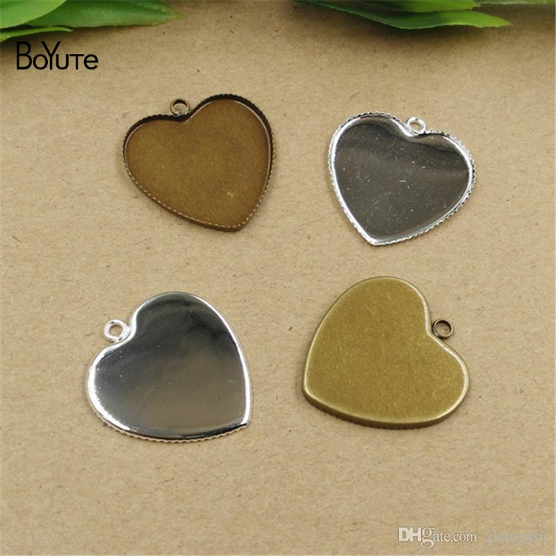 BoYuTe Hot 100Pcs 25MM Cabochon Base Impostazione cuore pendente vuoto Bezel vassoio Vintage fai da te Accessori gioielli