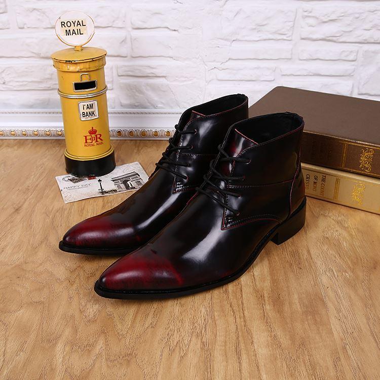 Botas Hombre Luxury Mens Scarpe Fashion Designer per il tempo libero High Top Leather Shoes Short Ankle Boot Lacing Men Booted Toe