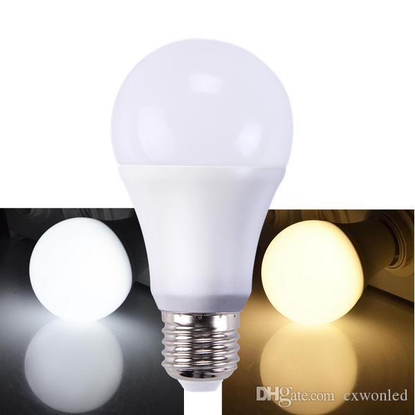 주도 디 밍이 가능한 전구 높은 밝기 900Lm 9W 2835 LED 전구 흰색 플라스틱 알루미늄 라이트 (220) 각도 흰색 따뜻한 화이트 AC110-220V CRI 80Ra를 냉각