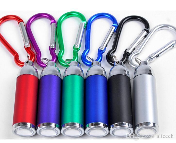 3 Nouveau Mousqueton DEL Lampe de poche Keychains avec Zoomable Lumière Porte-clés Anneau