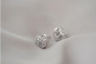 Ausschneiden Herz Ohrstecker S925 Silber Sterling National Pattern Ohrstecker Geschenke für Mädchen / Damen Ahorn Leave Ohrstecker