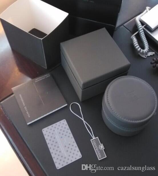 태그 heuer에 대한 럭셔리 새 둥근 검은 가죽 상자 시계 책자 카드 태그와 영어 TT로 신문