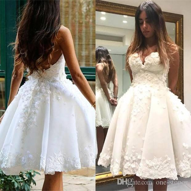 High Quality Knee Length White Cocktail Dresses Appliques Sexy Sweetheart Backless Homecoming Party Ball Gown Short Prom Celebrity Dress