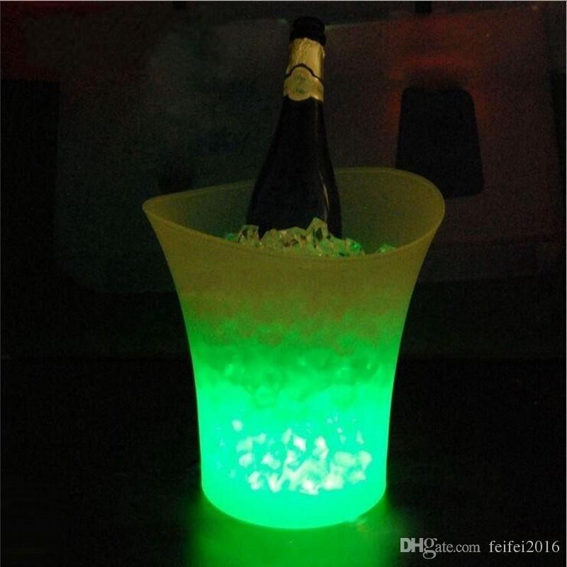 Bar 5 litres Volume plastique led seau à glace couleur changeante clubs de nuit LED seau à glace léger Champagne vin bière seau à glace Livraison gratuite