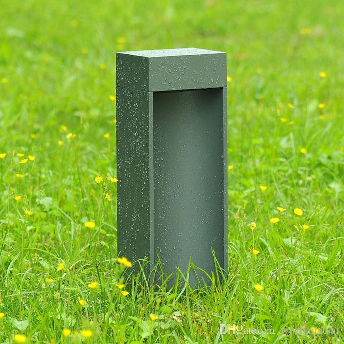110V 120V 220V 230V 240V 0UTDoorスタンド極の列LED芝生のランプライトヴィラガーデンパークモダンな防水屋外投稿