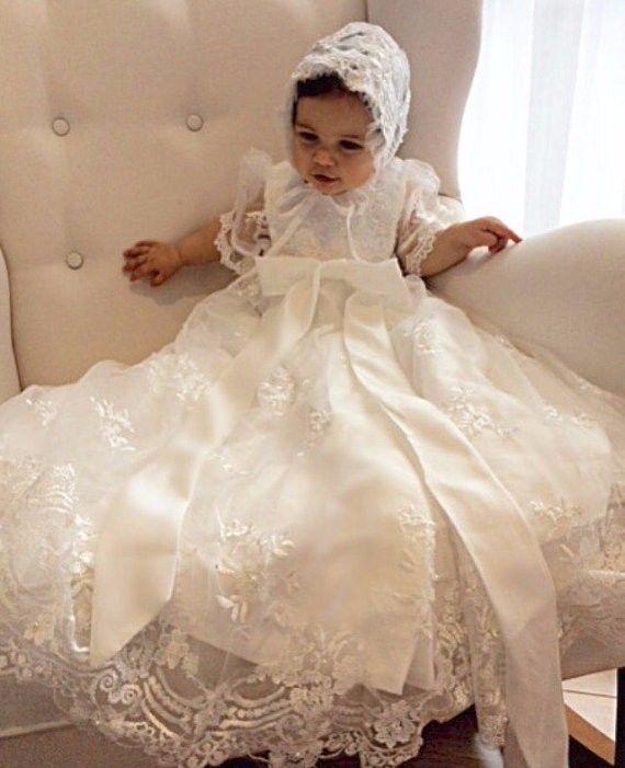 جميل طفلة ثوب التعميد التعميد فستان الدانتيل مطرز 0-24month الأبيض العاج مع بونيه
