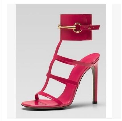 Europa marca Ursula sandalias de charol rojo Horsebit sandalias de tobillo de tacón alto hebilla grande verano vestido de zapatos de gran tamaño tacón 10 cm