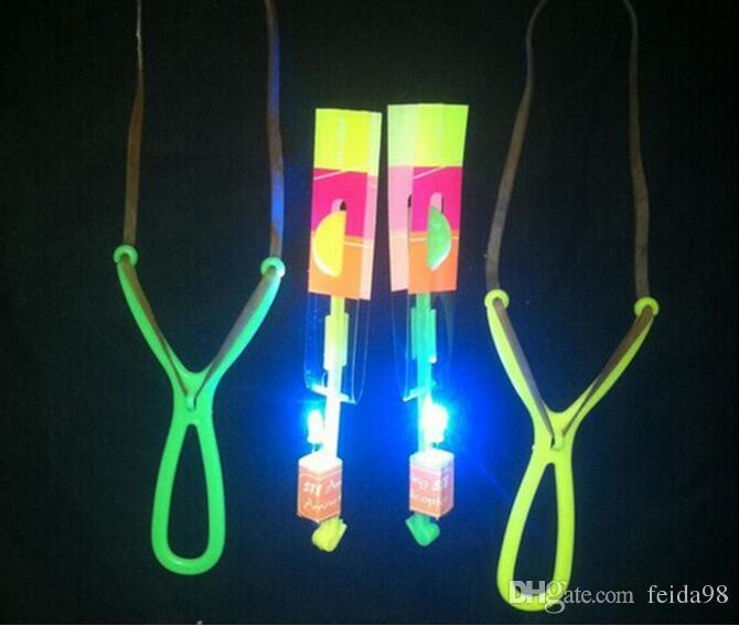 Space UFO LED Knipperende Amazing Pijl Helicopter Toy Slingshot LED Lichtpijl Kinderspeelgoed G612