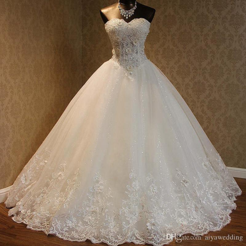 2020 Cheap A Line Wedding Dresses Sweetheart Appliques Lace Up