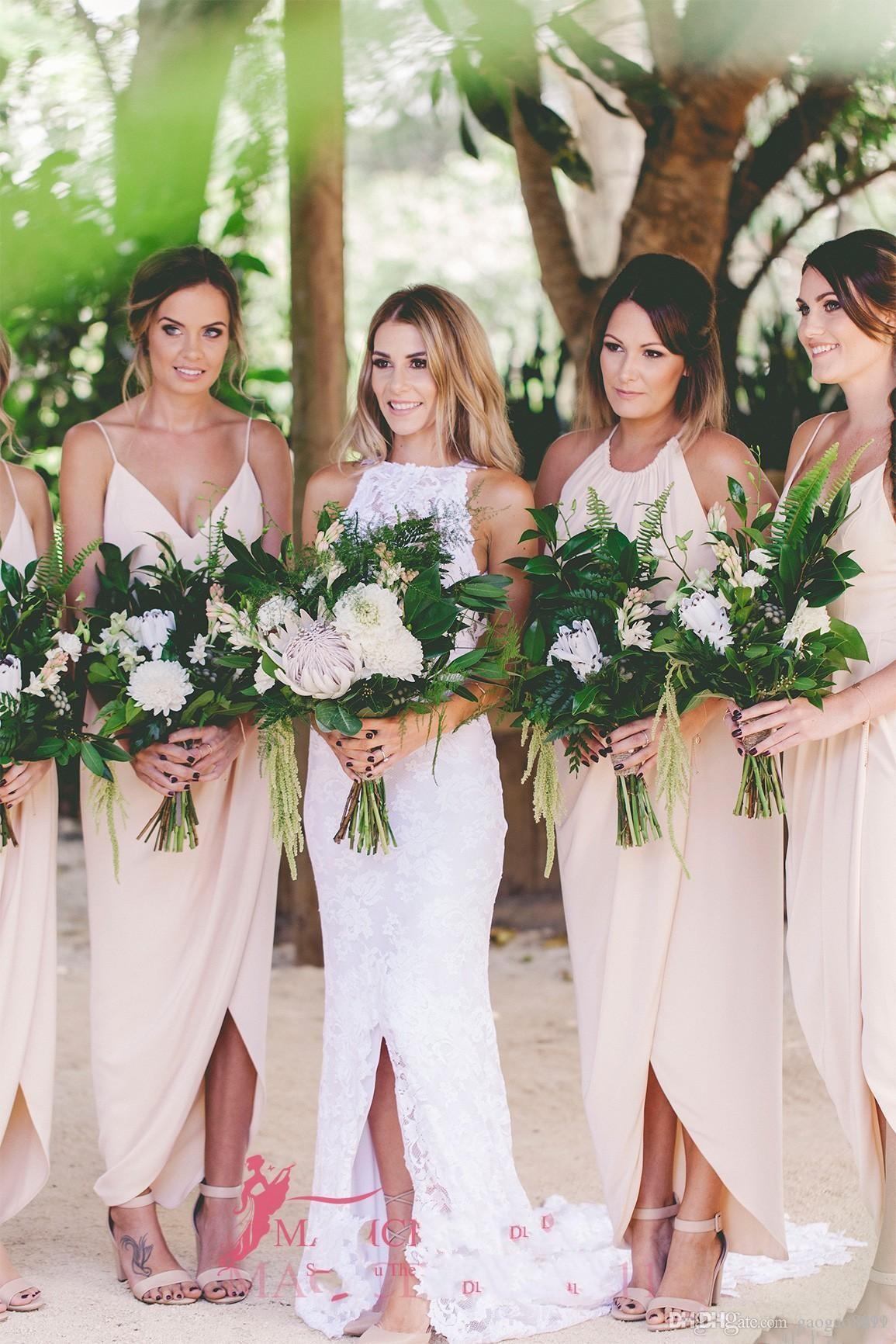 2019 Boho Chiffon Vestidos de Dama de honra A-Line Decote Em V Frente Dividir Ruffled Prom Party Vestidos de Tornozelo-Comprimento Praia Maid of Honor Vestido DTJ