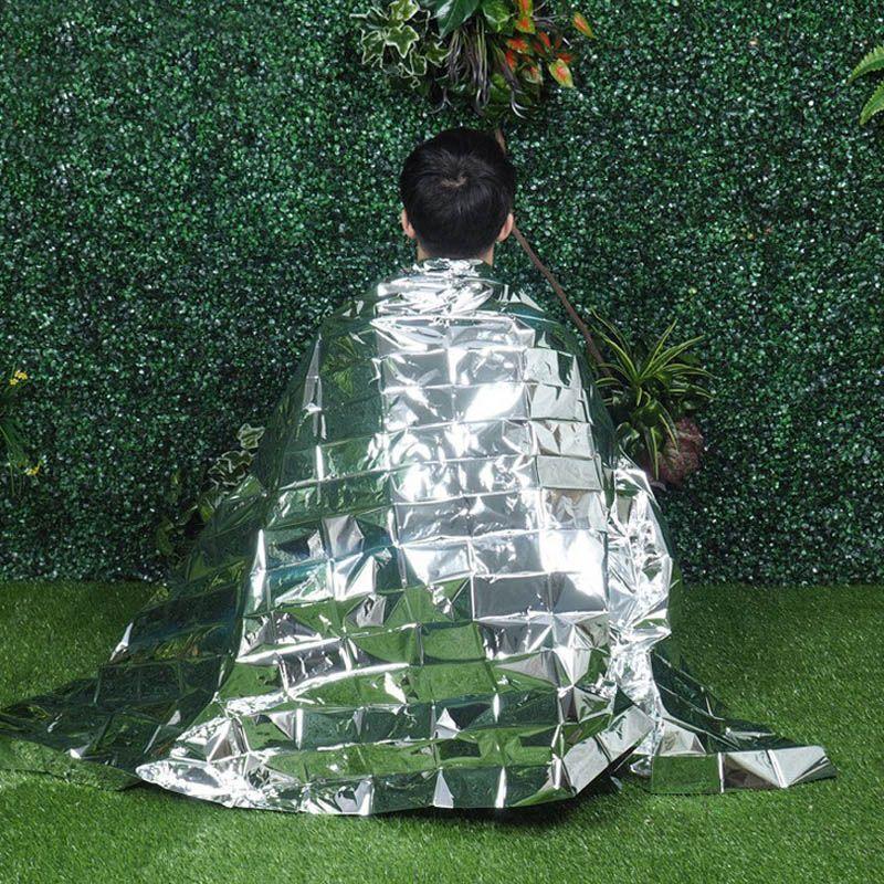 210 * 160cm Silver Pet Aluminizer Emergency Blanket Outdoor Isolering Blanket Vattentät Nödöverlevnadsisolering Folie Termisk filt