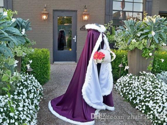 2020 de alta qualidade nupcial do Cabo com capa Cloaks casamento com Faux Fur guarnição branca vermelho perfeito para o inverno longo Wraps Jacket baratas do costume