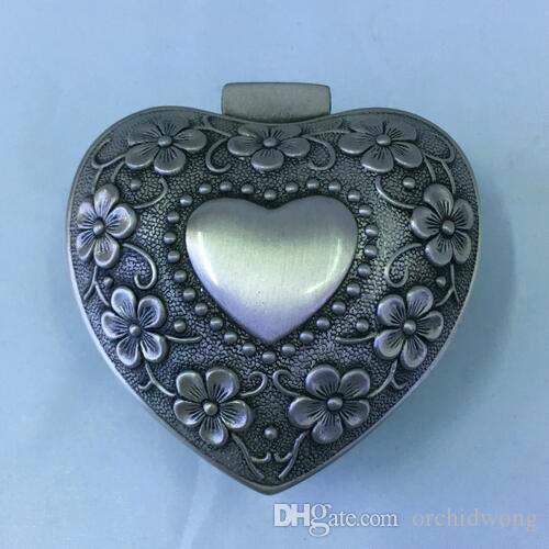 رائعة على شكل قلب المعادن مجوهرات التعبئة والتغليف مربع 7 * 6 * 3 سنتيمتر يناسب باندورا مجوهرات الدائري سحر سوار الخرز قلادة قلادة هدية مربع عرض مربع