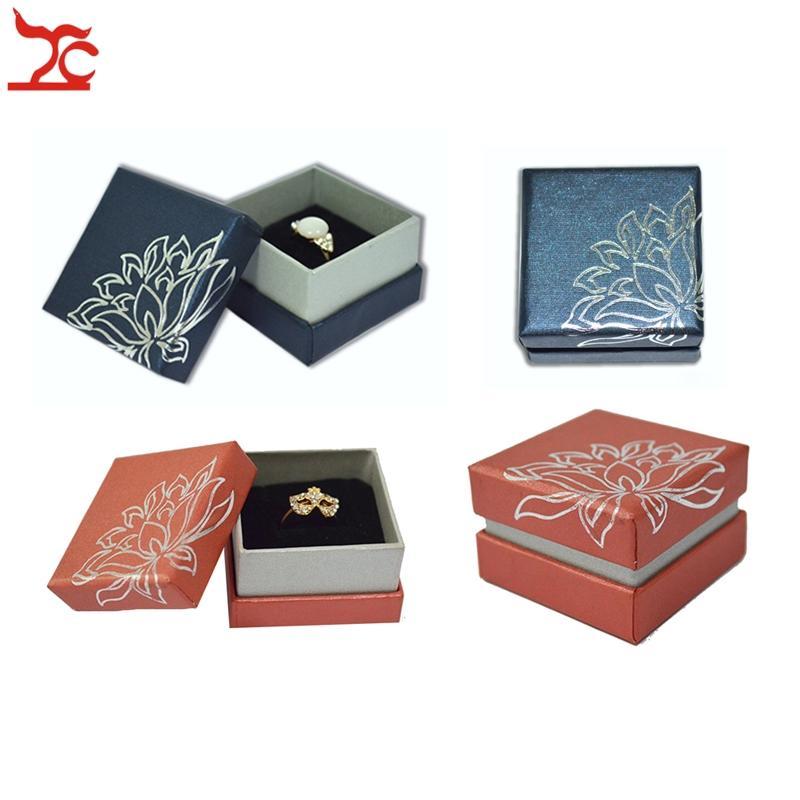 도매 12pcs 보석 전시 상자 파란 꽃 서류철 반지 포장 상자 5 * 5 * 3.5cm 빨간 종이 반지 선물 주최자 저장 상자