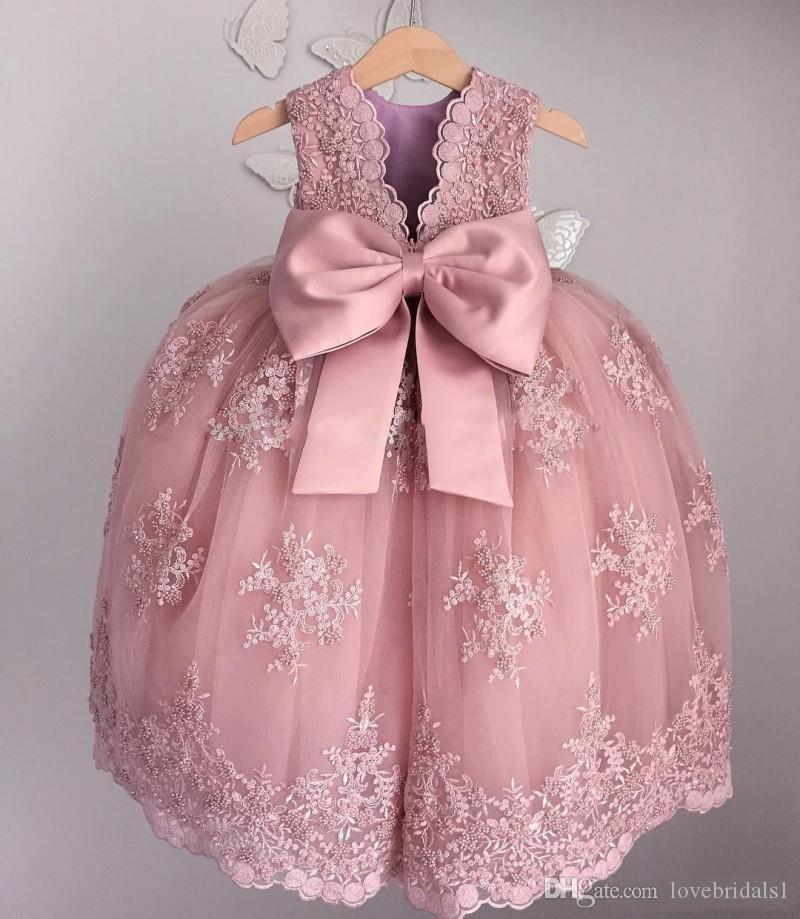 2019 vintage Lace Applique Flower Girls Dresses For Weddings Soft Pink Beaded Little Baby Ball Gowns Puffy Skirts Communion sweet girls