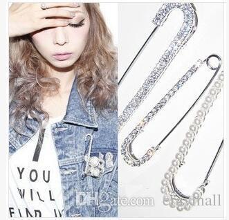 Broches de camélia numériques broches perle cristal strass broches écharpes de chaîne boucles épingles cadeaux d'anniversaire de fête de mariage
