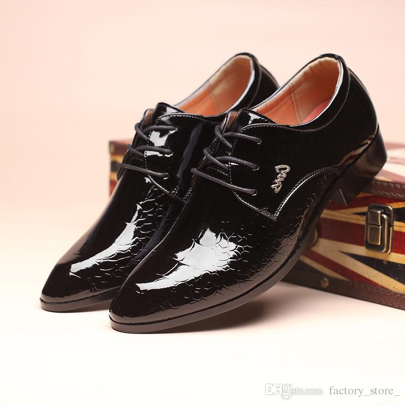 Designer-Kleid Oxford Schuhe für Männer Krokodilleder Schuhe Herren italienische Lackleder schwarze Schuhe Zapatillas Hombre Sapato sozialen
