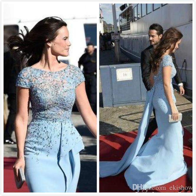 2017 nueva moda Zuhair Murad Celebrity manga corta vestidos de baile lentejuelas vaina con cuentas vestidos de baile Árabe Sheer Lace Top Split vestidos de fiesta