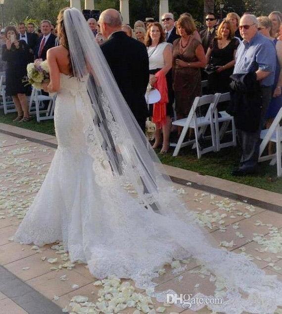 Nova Chegada Uma Camada de Renda Parcial para o Peito De Metal Comb Catedral Véu De Noiva Véu De Noiva de Alta Qualidade NVJ19