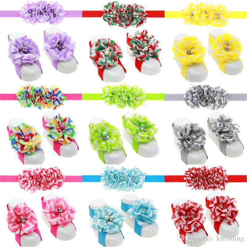 13 colori del fiore delle neonate Hairband set 3pc fascia ed il fiore chiffon dei sandali a piedi nudi neonati carino scarpe fiori coprono puntelli fotografici