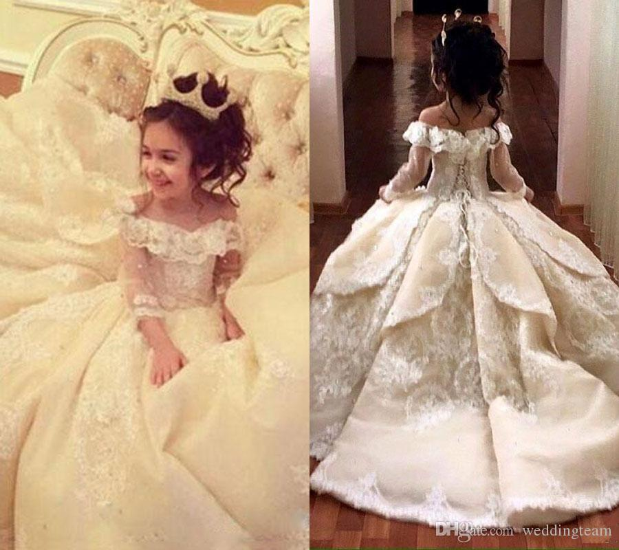 Vintage Lace Appliqued Pageant Dresses With Long Sleeves Ball Gown Flower Girl Dress Off Shoulder Sweep Train Kid First Communion Gowns
