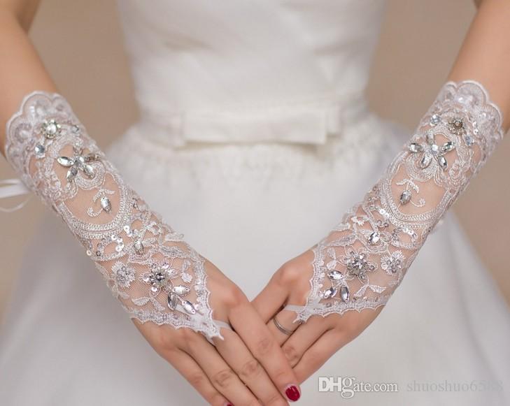 Heißer verkauf 2017 Neue stil weiße spitze diamant fingerlose kurze handschuhe Braut handschuhe Hochzeit kleid zubehör shuoshuo6588