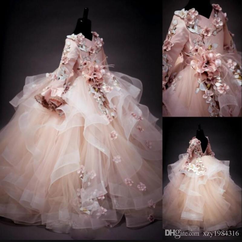 Maniche lunghe Flower Girl Dresses Applique floreale scollo a V Lace-Up Fluffy Ball Gown per il compleanno della ragazza Pretty Comunione Dress bambini abbigliamento formale