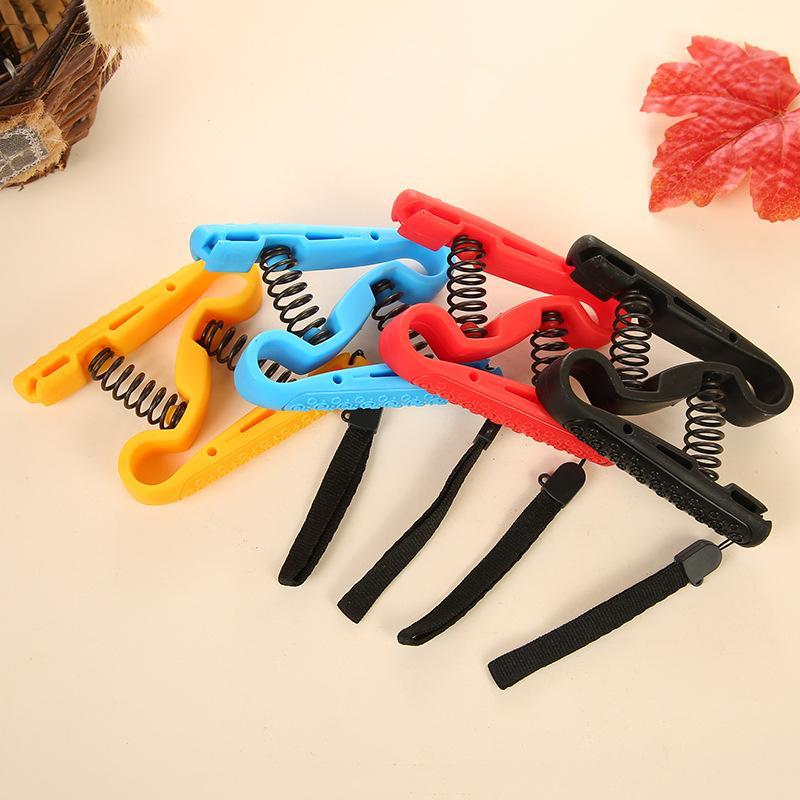 ضرب الرجال S نوع الربيع القبضات معدات اللياقة البدنية المنزلية لممارسة أصابع اليد الجملة مصنع المعدات