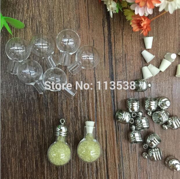 50pcs / lot en gros potion magique wicca wiccan bouteille bouteille en verre (bouchon en caoutchouc bouchon en métal / mini / charme / riz / bouteille / miniature / flacons)