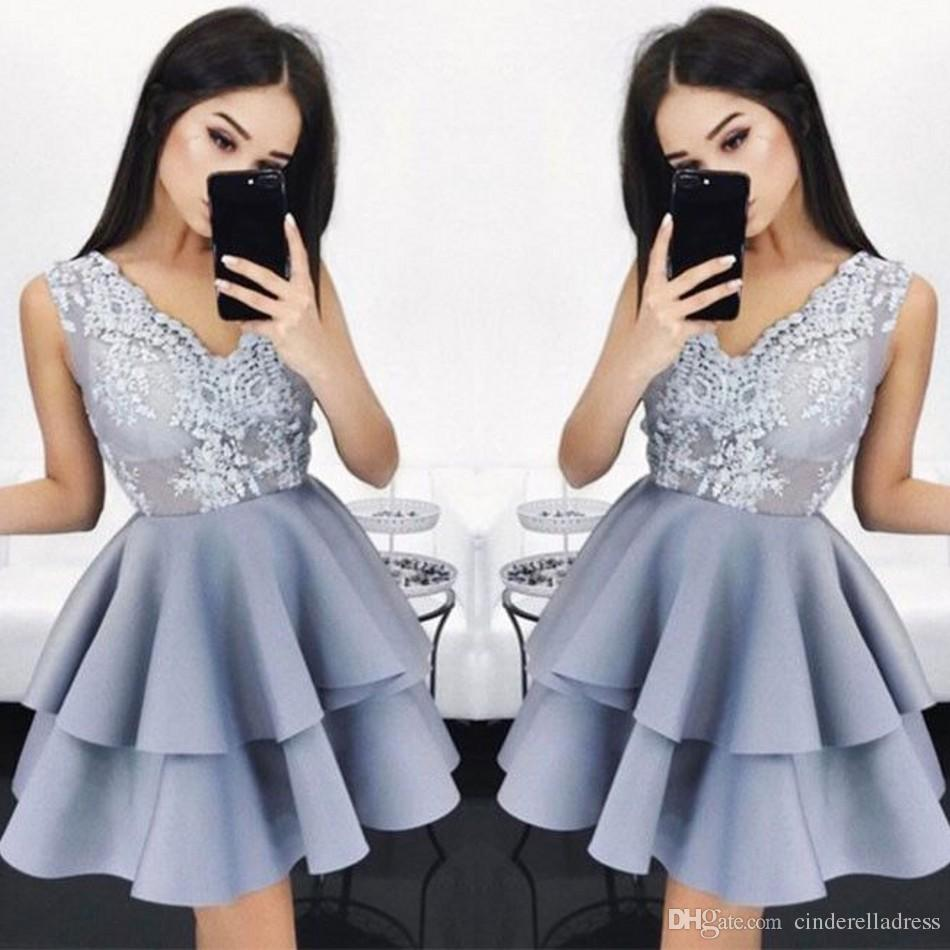 Chic V-Neck Lace A-line Elegant Layers Sleeveless Homecoming Dresses 2018 Sleeveless Lavender Short Prom Cocktail Gowns