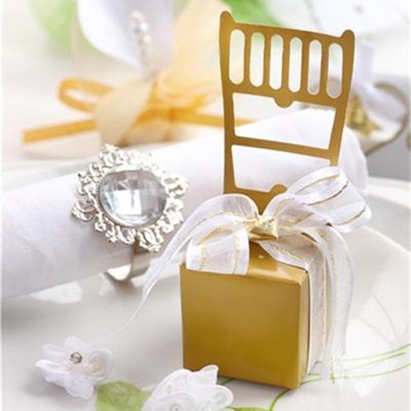 ENVÍO GRATIS 100PCS Caja del favor de la silla del oro en miniatura de la calidad con el encanto del corazón y favores de la boda de la cinta Idea de ajuste de la recepción del partido