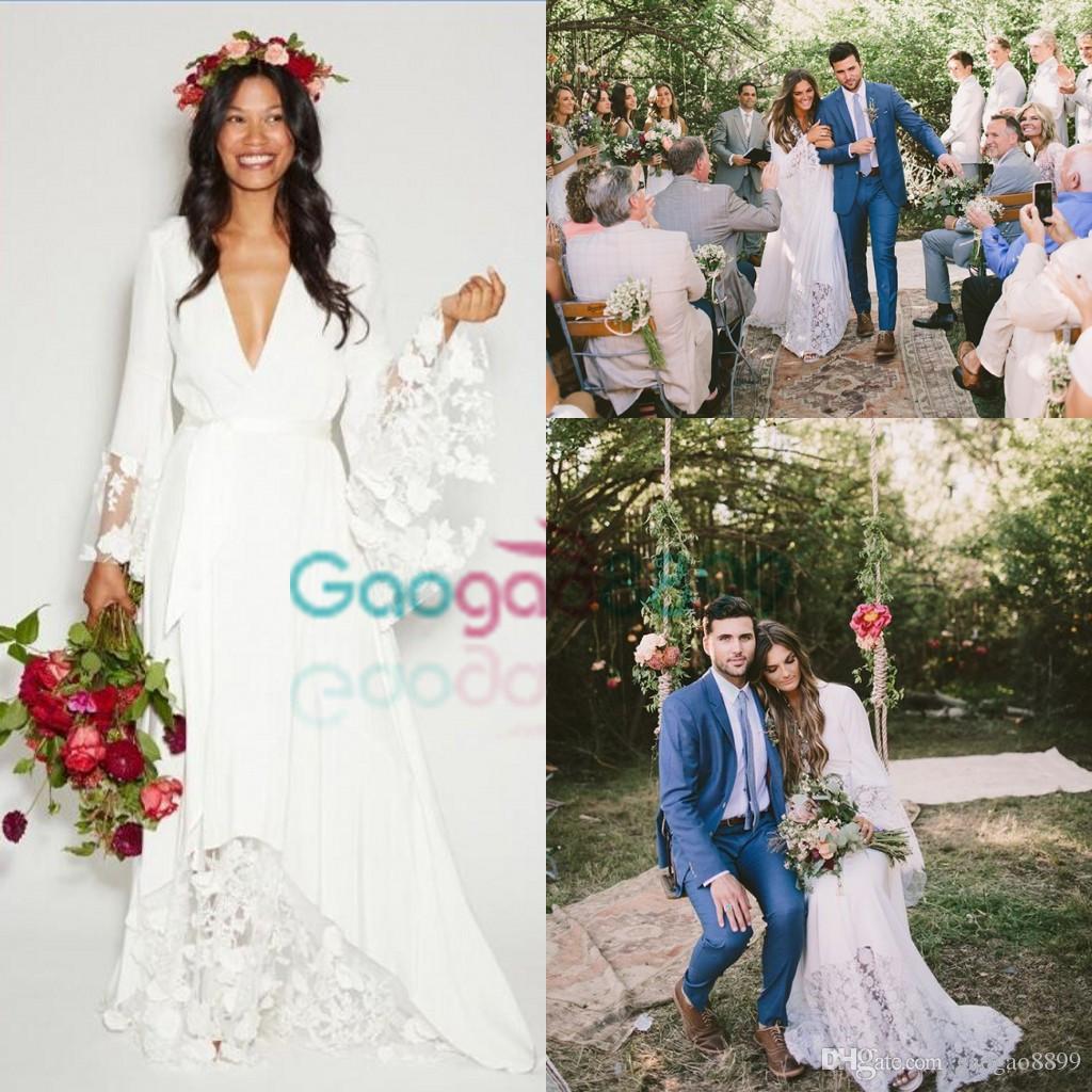 2019 Summer Beach BOHO Paese Abiti da sposa Bohemian Beach Hippie Style Abiti da sposa con maniche lunghe Pizzo Fiore Abiti da sposa