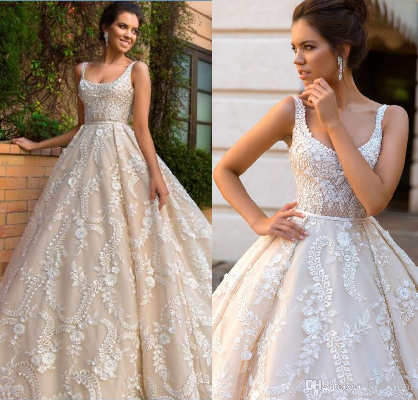 Ball Gown Lace Wedding Dresses Dubai African Gorgeous Vintage Bridal Gowns Square Neckline Sleeveless Court Train Foraml Dress