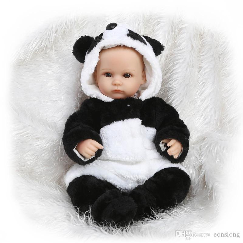 """Réaliste peinture à la main cheveux 17 """"belle poupée bébé en vinyle doux Reborn nouveau-né bébé cadeaux en tenue de panda"""