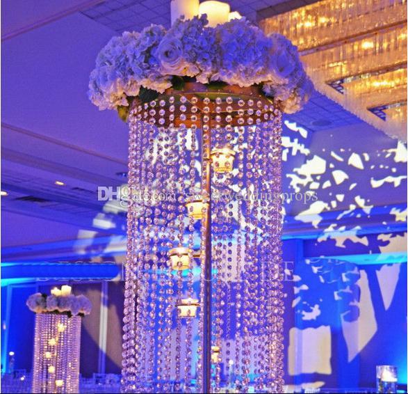 Gehweg stehen zum Verkauf mit schönen Hochzeitsdekoration