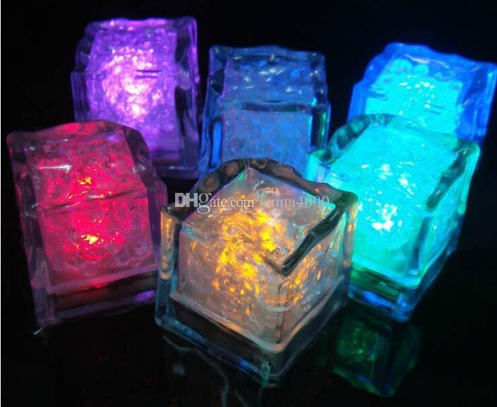 LED ice flash, wedding light ice, crystal cube, color flash, Christmas gift Bar, party with induction plastic ice, electronic ice cube, ligh