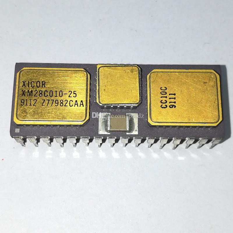 XM28C010-25. XM28C010 / 128KX8 EEPROM 5V MODULE, DMA32 / Gold dual in-line, circuiti integrati in ceramica da 32 pin, CDIP32 / circuito integrato