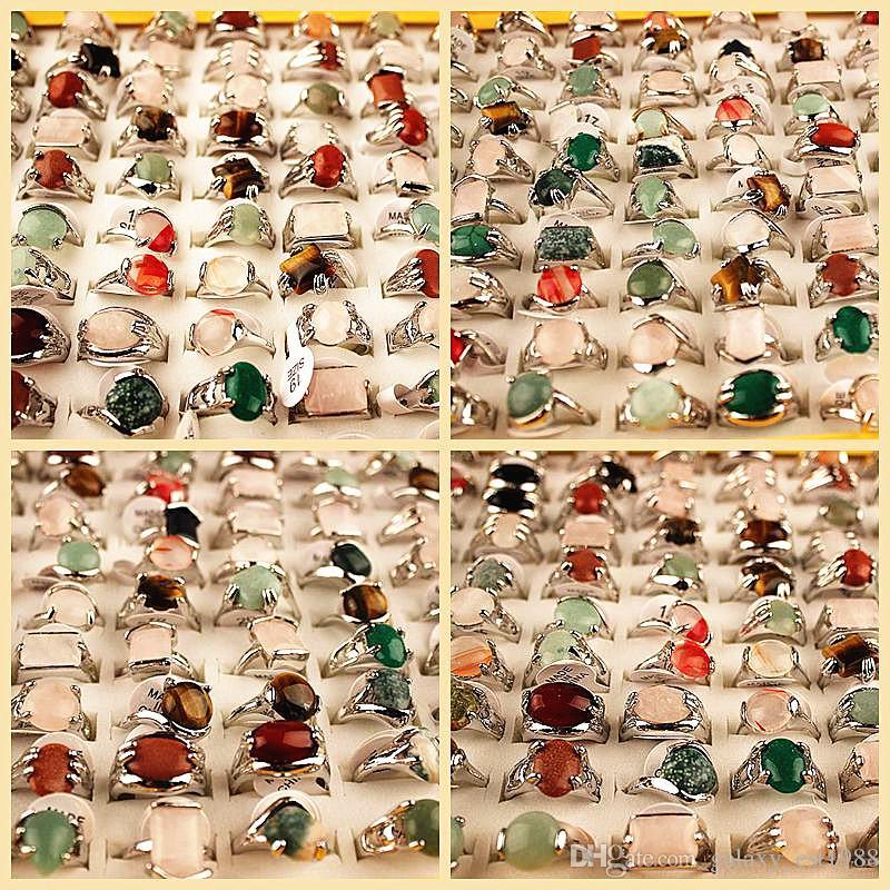 Commercio all'ingrosso 100pcs / scatola stili di miscela assortiti anelli di pietra per le donne Anello da donna gioielli moda con una scatola di visualizzazione