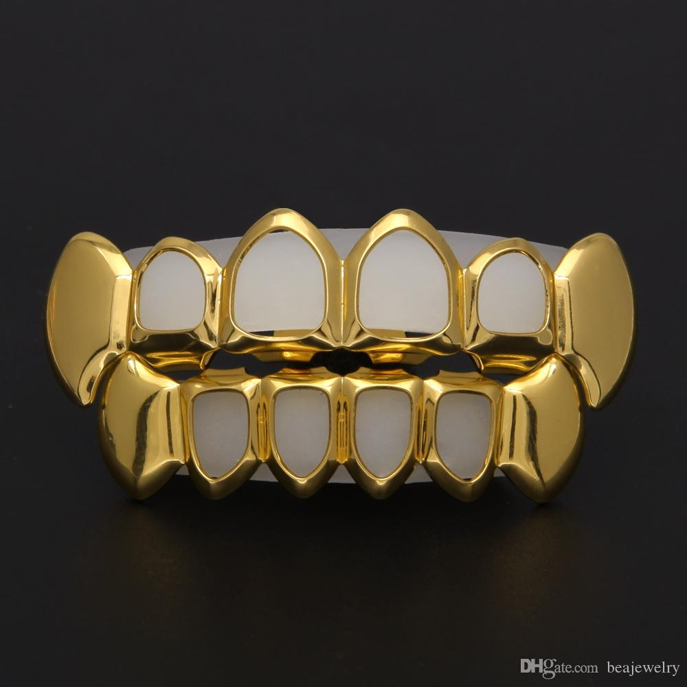 New Hip Hop Custom Fit Grill Four Hollow Open Face Gold But Grillz Caps Top Bottom con set di denti vampiri in silicone